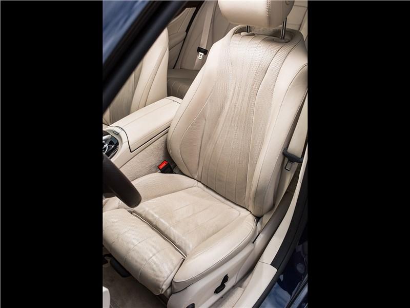 Mercedes-Benz E 220 d 2017 кресло водителя