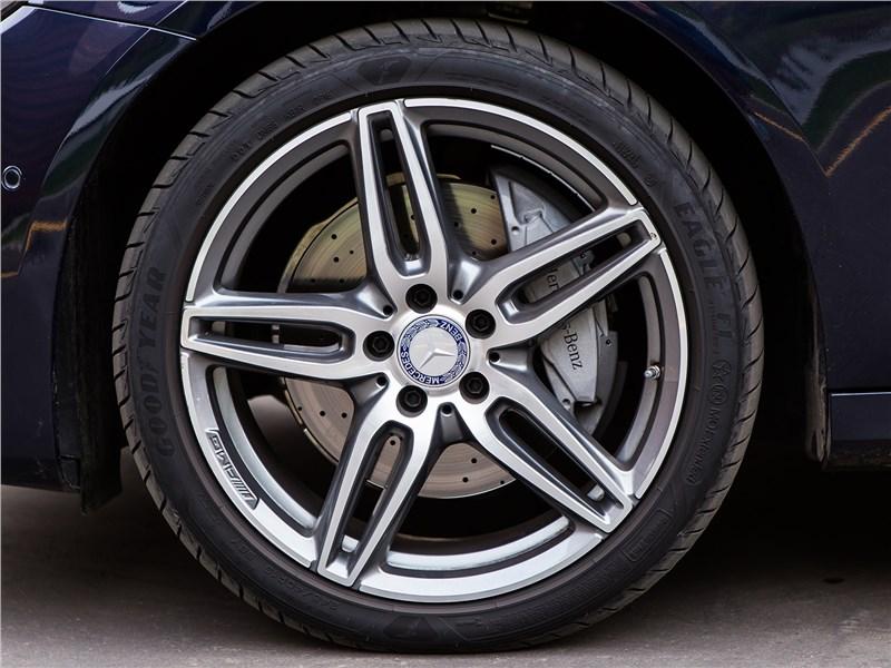 Mercedes-Benz E 220 d 2017 колесо