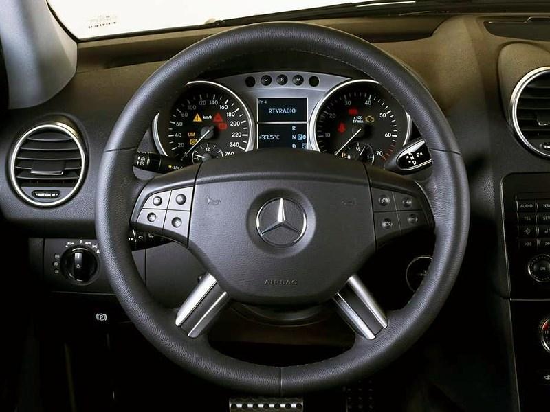 Mercedes-Benz M-Klasse 2005 многофункциональное рулевое колесо