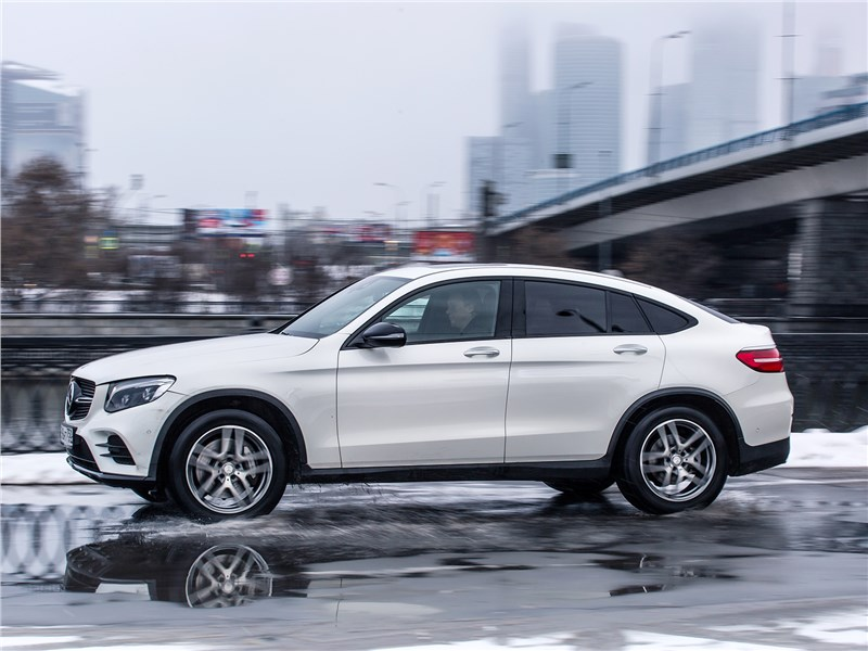 Mercedes-Benz GLC Coupe 2017 вид сбоку