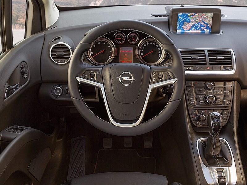 Opel Meriva 2013 место водителя