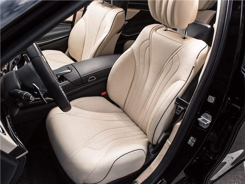 Mercedes-Benz S-Class 2018 передние кресла