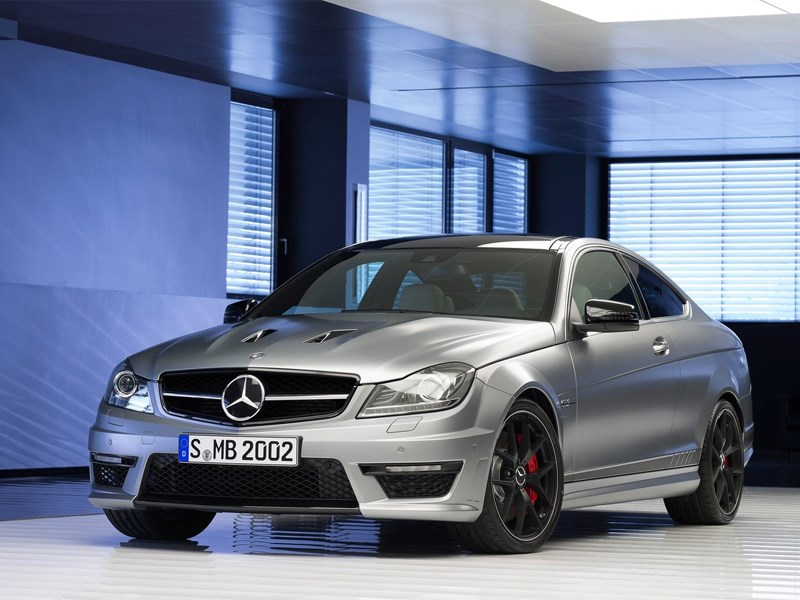Новый Mercedes-Benz E-Class AMG - Mercedes-Benz Е63 AMG 2013 вид спереди