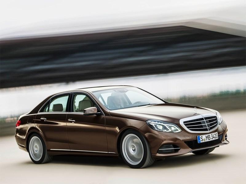 Mercedes-Benz E-Klasse 2013 вид сбоку