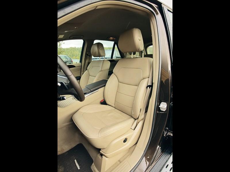 Mercedes-Benz ML 350 CDI 4Matic 2012 передние кресла