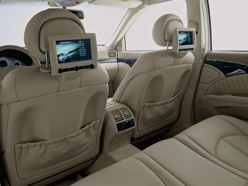 Mercedes-Benz S-Klasse 2004 мониторы