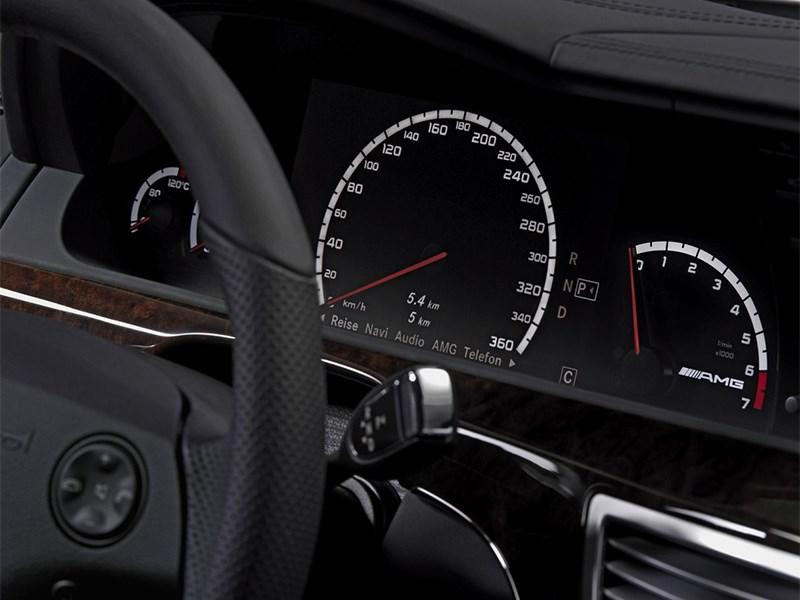 Mercedes-Benz S-Klasse 2007 приборная панель