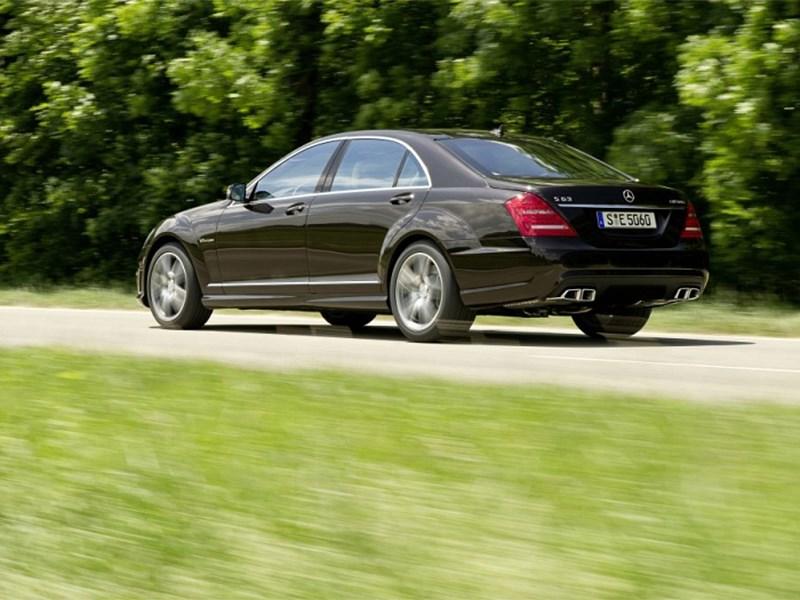Mercedes-Benz S-Klasse 2010 вид сзади