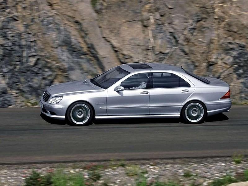 Mercedes-Benz S-Klasse 2004 вид сбоку