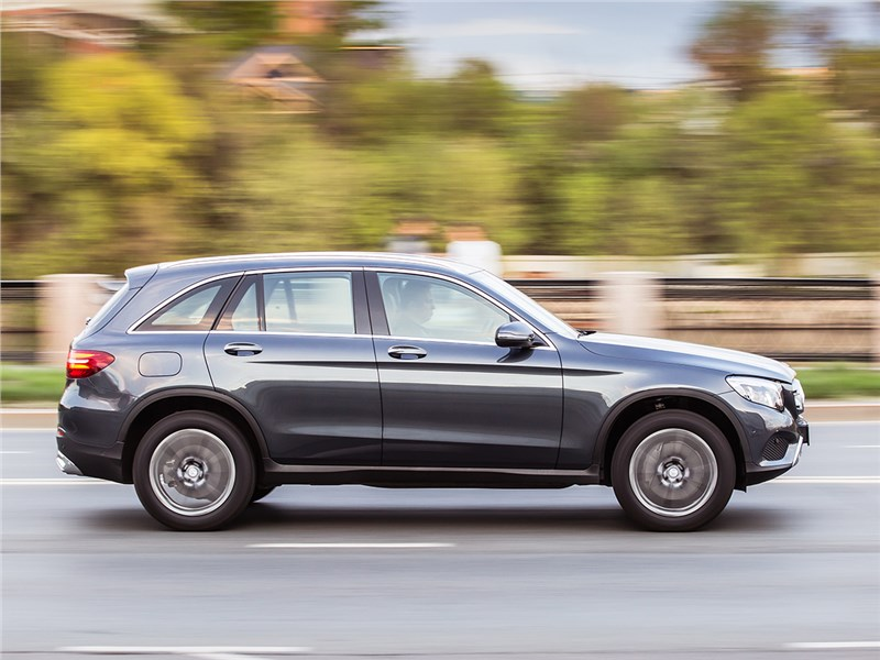 Mercedes-Benz GLC 2016 вид сбоку