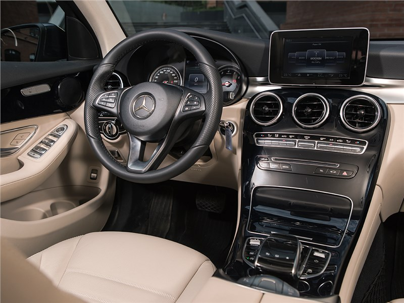 Mercedes-Benz GLC 2016 салон