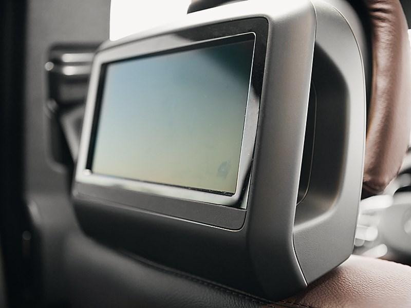 Mercedes-Benz GL-Klasse 2012 монитор в подголовнике кресла