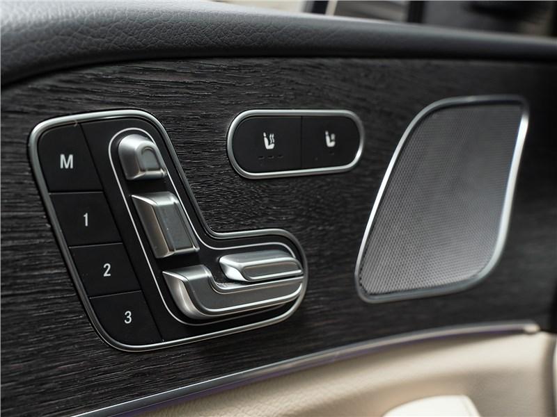 Mercedes-Benz GLE 2020 клавиши регулировки сидений
