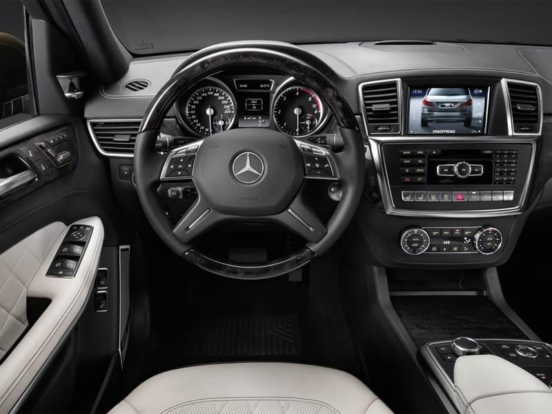 Mercedes-Benz GL-Klasse 2013 водительское место