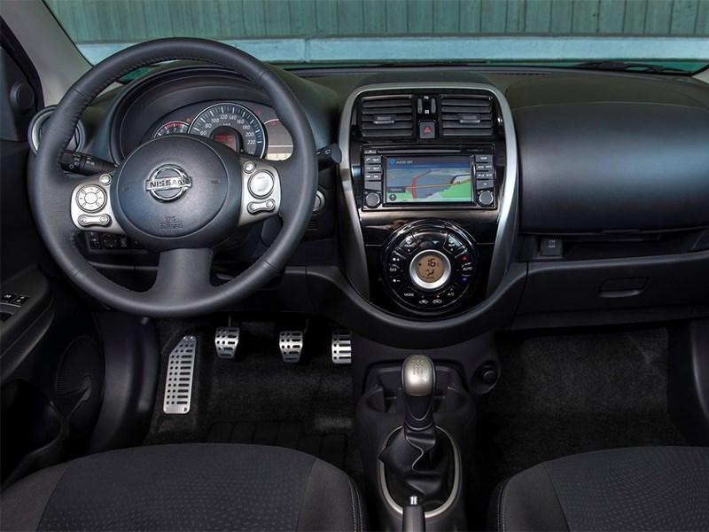 Nissan Micra 2013 водительское место