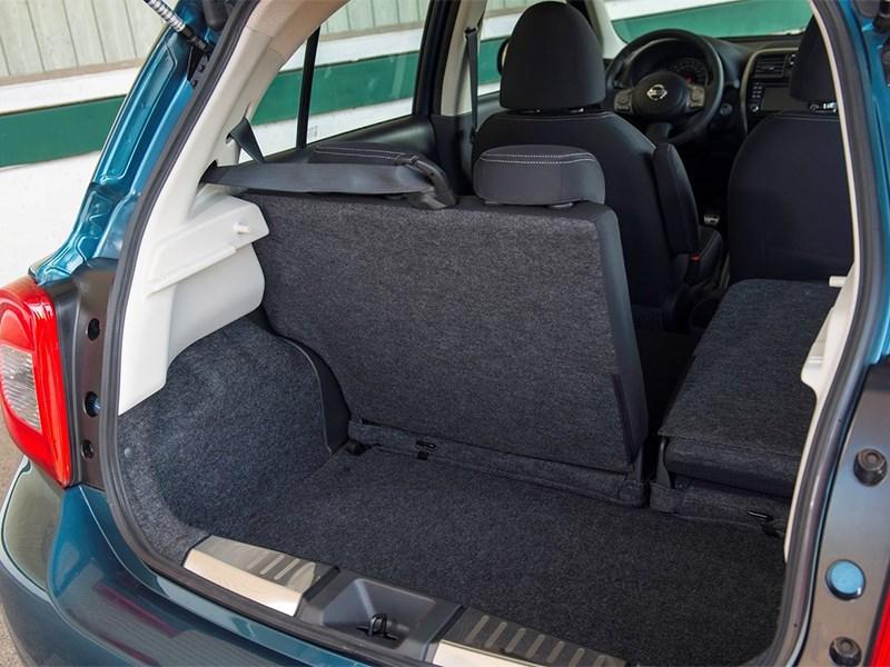 Nissan Micra 2013 багажное отделение