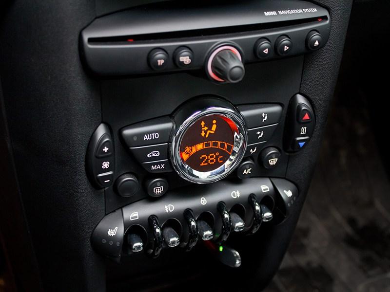 MINI Cooper S Roadster 2012 центральная консоль