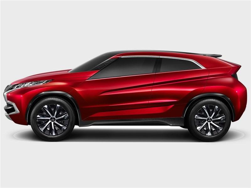 Mitsubishi XR-PHEV concept 2013 вид сбоку