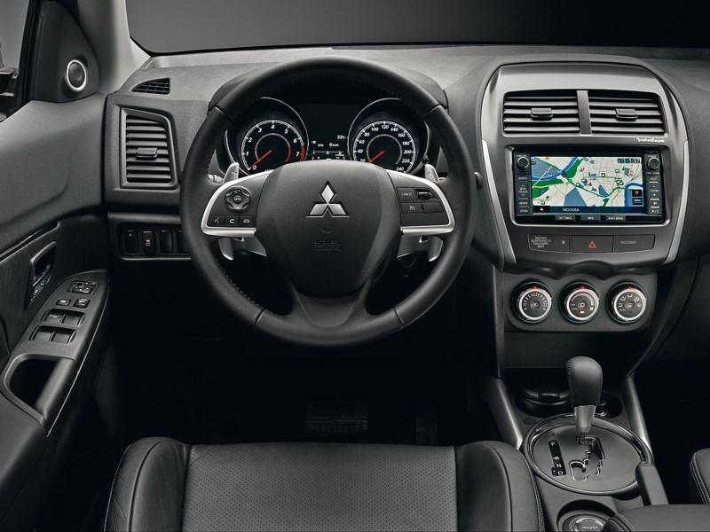 Mitsubishi ASX 2013 водительское место