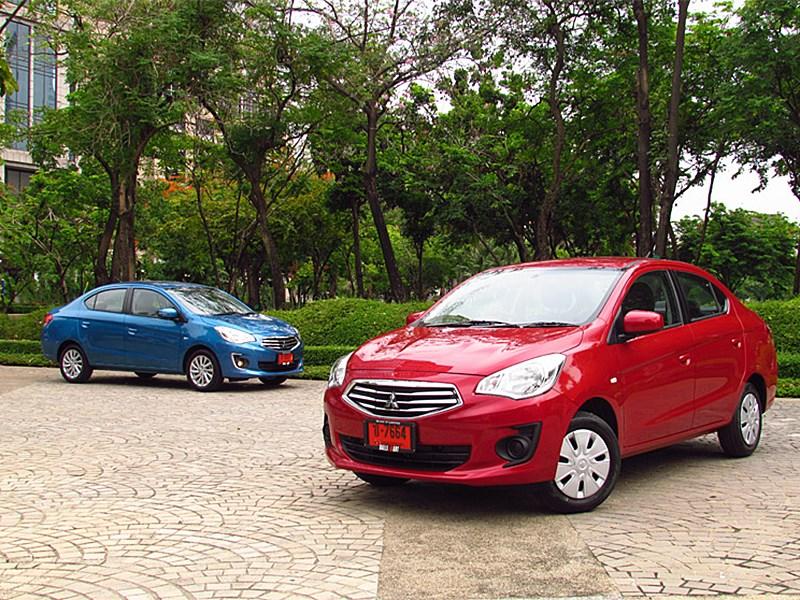 Mitsubishi Attrage 2013 вид спереди