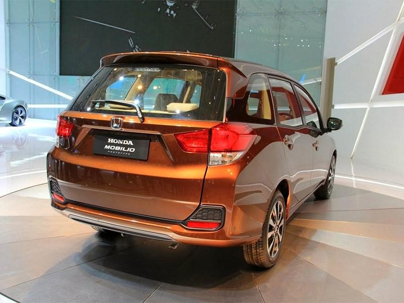 Honda Mobilio концепт 2013 вид сзади
