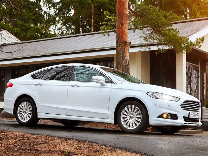 Ford Mondeo в России получил новые фары и системы безопасности Фото Авто Коломна