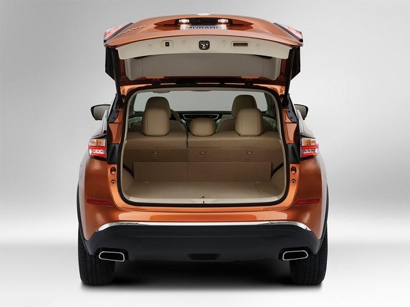 Nissan Murano 2015 вид сзади с открытым багажником