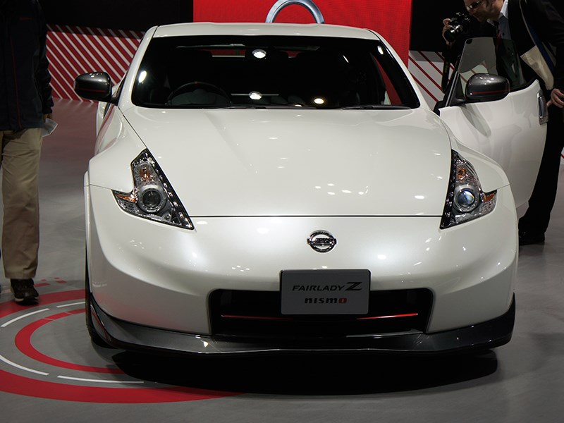 Nissan Fairlady Z nismo 2013 вид спереди