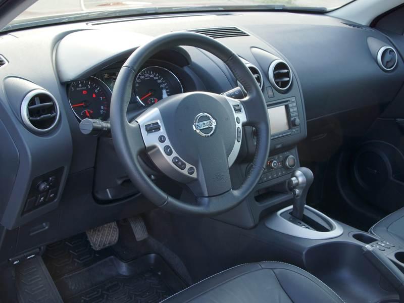 Nissan Qashqai 2010 водительское место