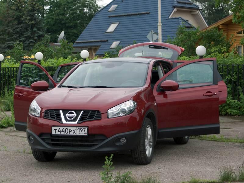 Nissan Qashqai 2010 вид спереди