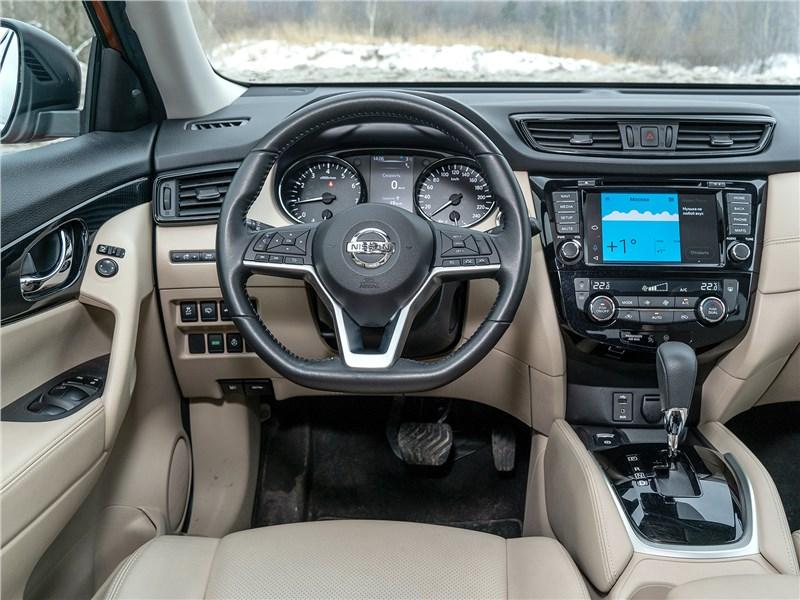 Nissan X-Trail 2018 салон