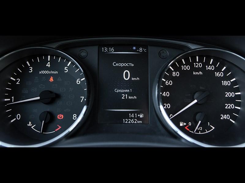 Nissan Qashqai 2013 приборная панель