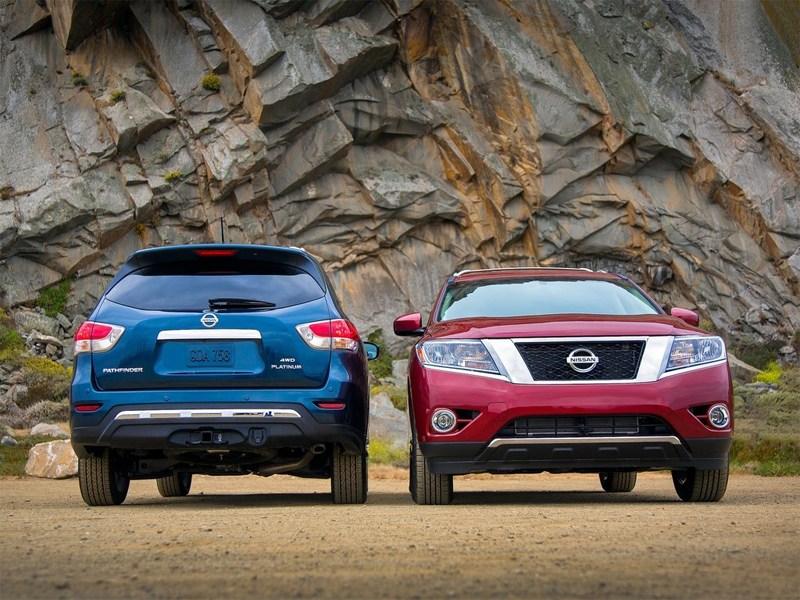 Nissan Pathfinder 2012 вид спереди и сзади