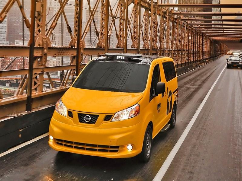 Nissan NV200 Taxi 2014 вид спереди фото 3