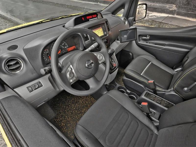 Nissan NV200 Taxi 2014 водительское место