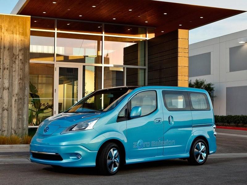Nissan e-NV200 концепт 2012 вид спереди