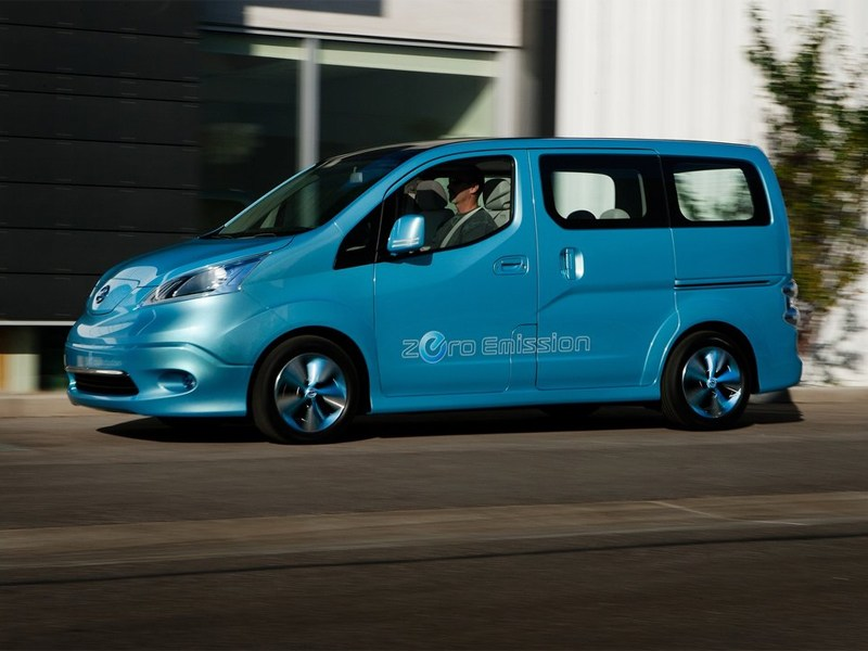 Nissan e-NV200 концепт 2012 вид сбоку