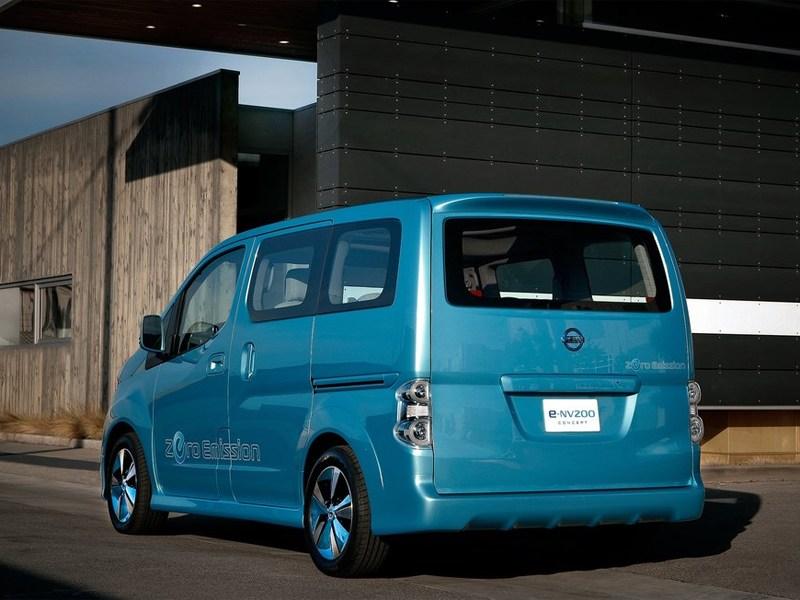Nissan e-NV200 концепт 2012 вид сзади