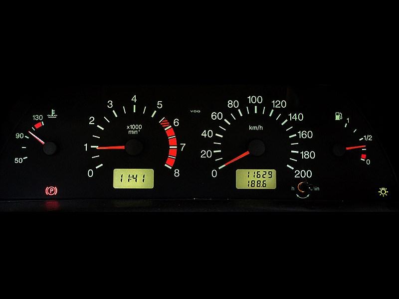 Chevrolet NIVA 2009 приборная панель