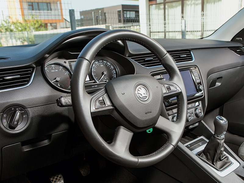 Skoda Octavia 2013 водительское место 6МКПП