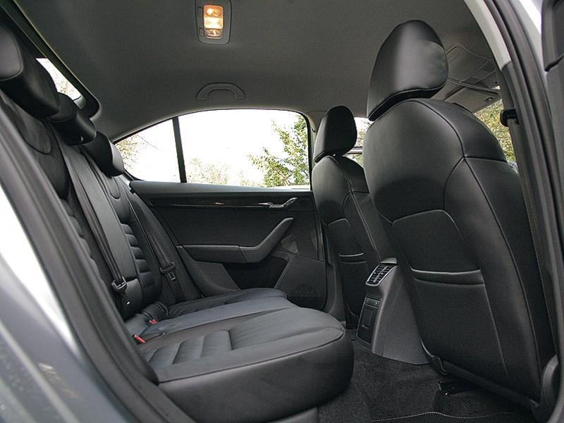 Skoda Octavia 2013 передние кресла