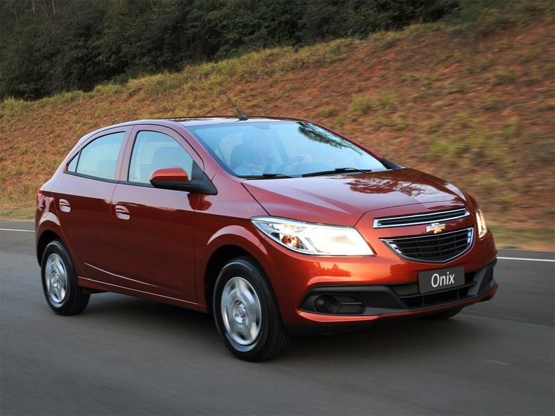 Новый Chevrolet Onix - Chevrolet Onix 2013 вид спереди