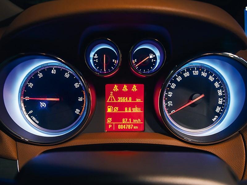 Opel Mokka 2013 приборная панель