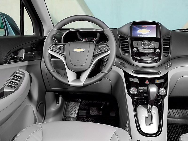 Chevrolet Orlando 2013 водительское место