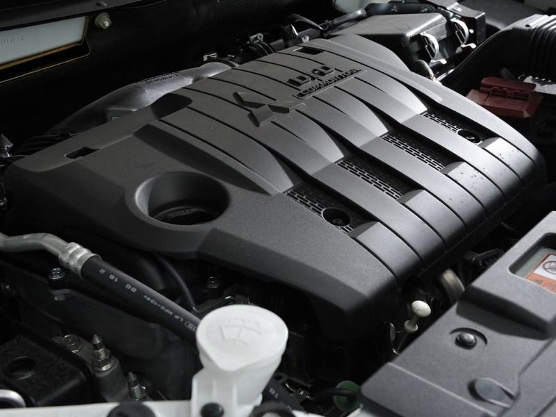 Mitsubishi Outlander Commercial 2013 двигатель