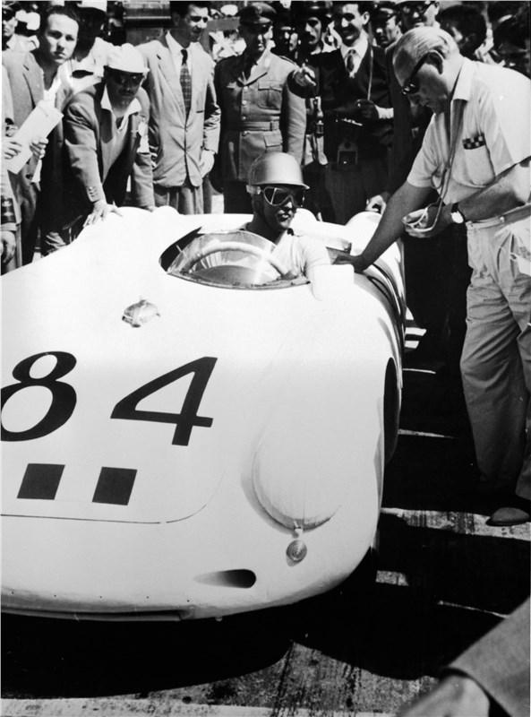 Porsche 550 Spyder под номером 84