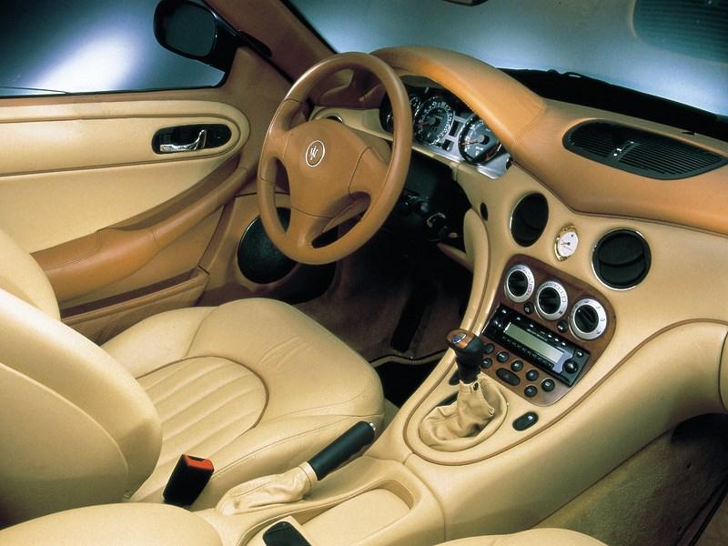 Салон Maserati 3200 GT в вариантном исполнении