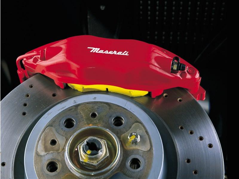 Тормозной механизм и тормозной диск Maserati 3200 GT