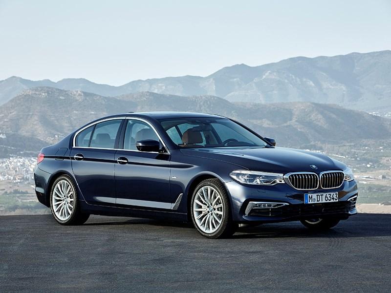 BMW пятой серии получила в России новую базовую версию