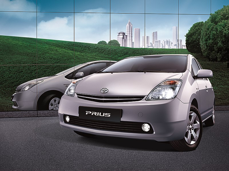 Toyota Prius 2006 второе поколение автомобиля